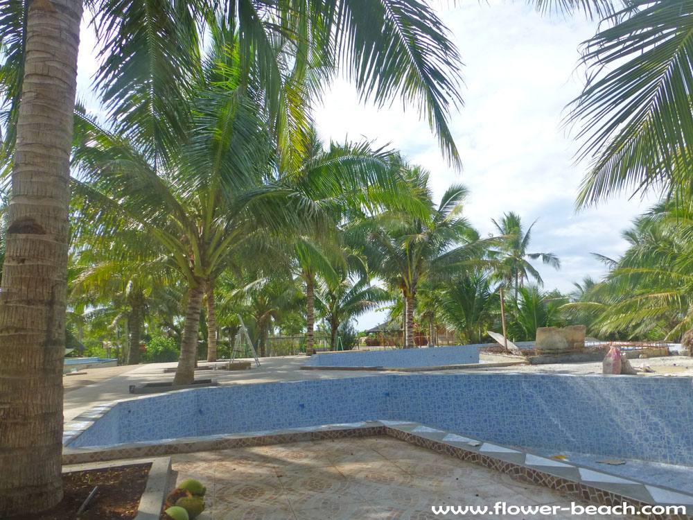 New swimming pool in FloWer Beach Resort