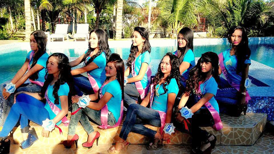Miss Virgen 2015 group photo hosted at FloWer Beach Resort