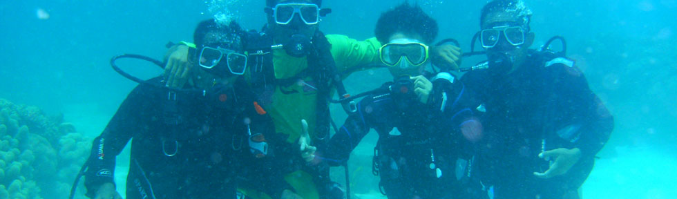 Scuba dive courses at FloWer Beach resort