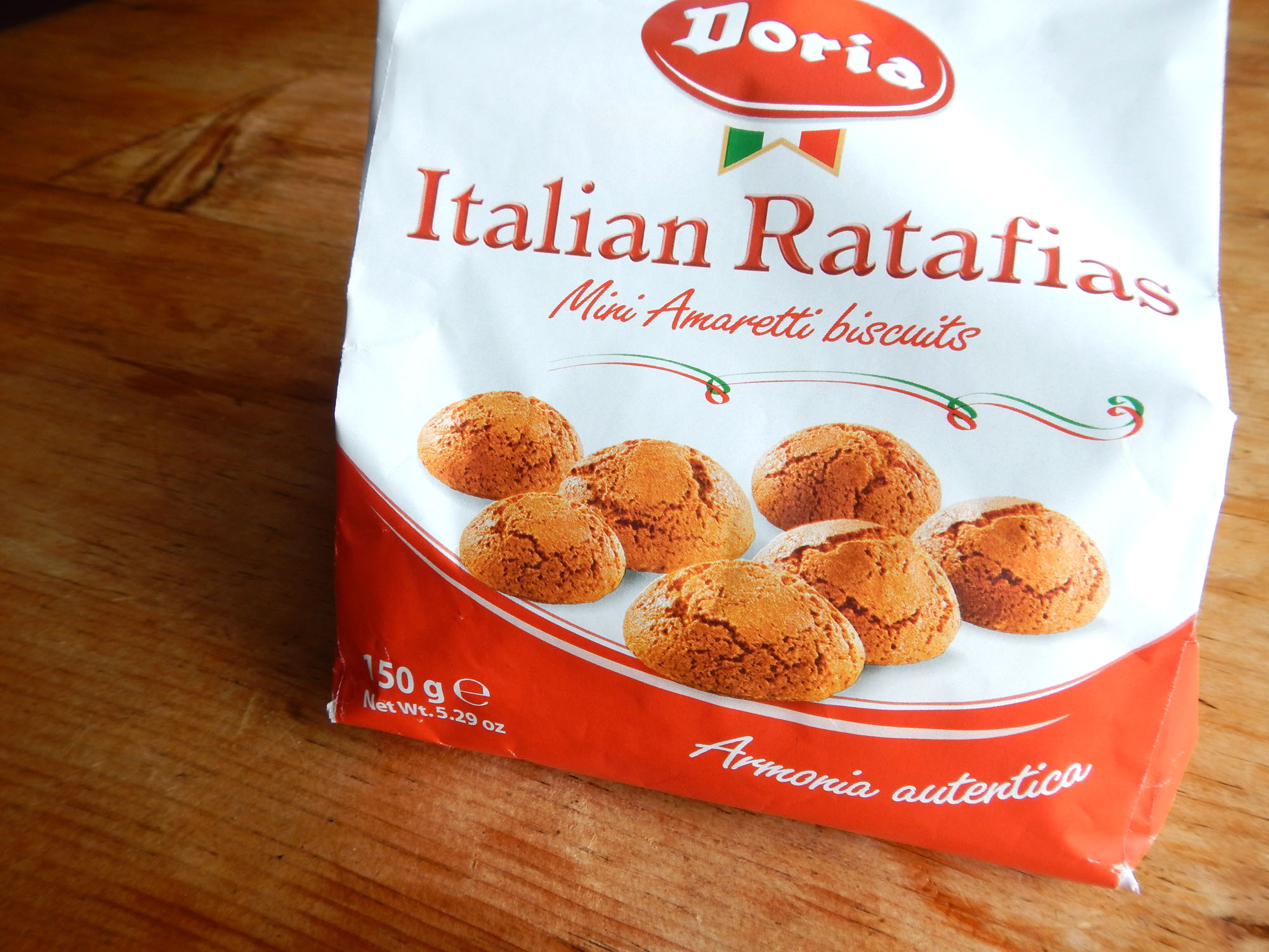 Italian mini amaretti biscuits