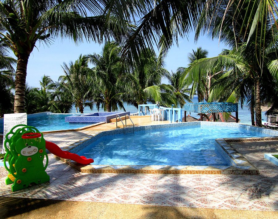 Swimming pools at FloWer Beach resort